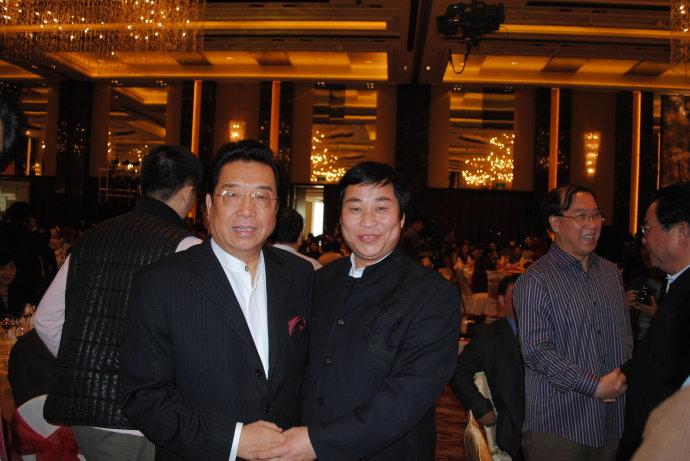 与著名歌唱家李双江在一起