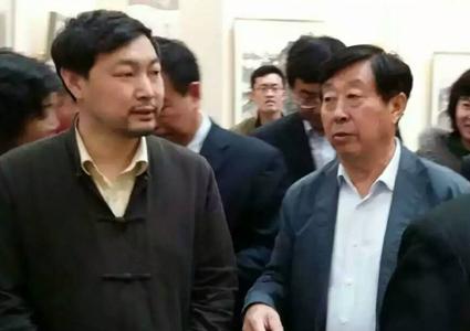 上图,中国美协主席刘大为先生在乔领、宁雪君作品展上