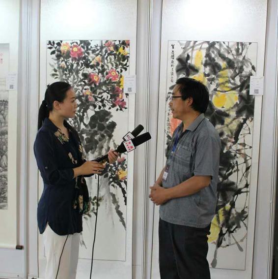 道金平老师接受媒体采访