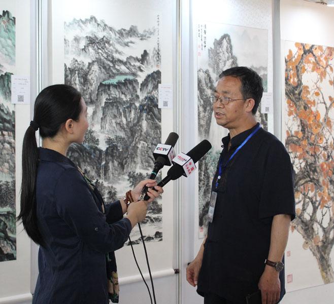 杜福生老师接受中央电视台记者采访
