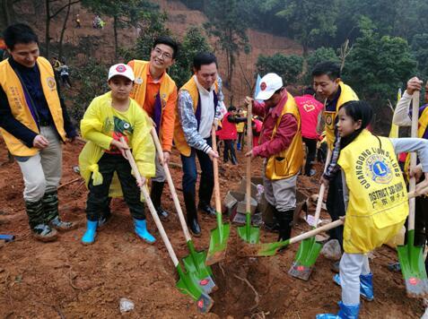 广东狮子会联合爱心团体开展义务植树活动
