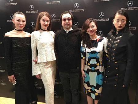 """华人时装设计师刘杰""""JESSIE LIU """"品牌靓丽中国国际时装周"""