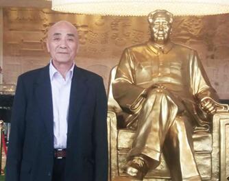 林理明参观毛主席故居