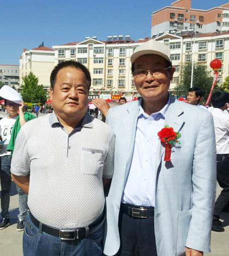 张宗彪同陕西网咸阳站站长:王保训在开幕式前留影