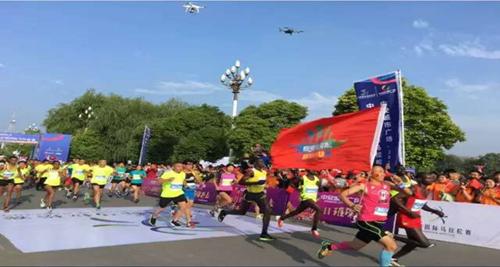 中安城市广场2017中国灵璧国际马拉松赛开跑