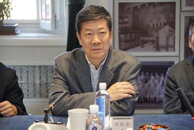 第十三届全国政协文化文史和学习委员会副主任、中国版权协会理事长阎晓宏