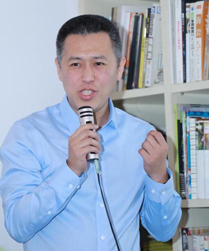 金山办公副总裁姚冬介绍金山AI Lab